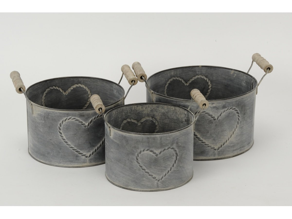 Set of 3 Metal Round Heart Planters