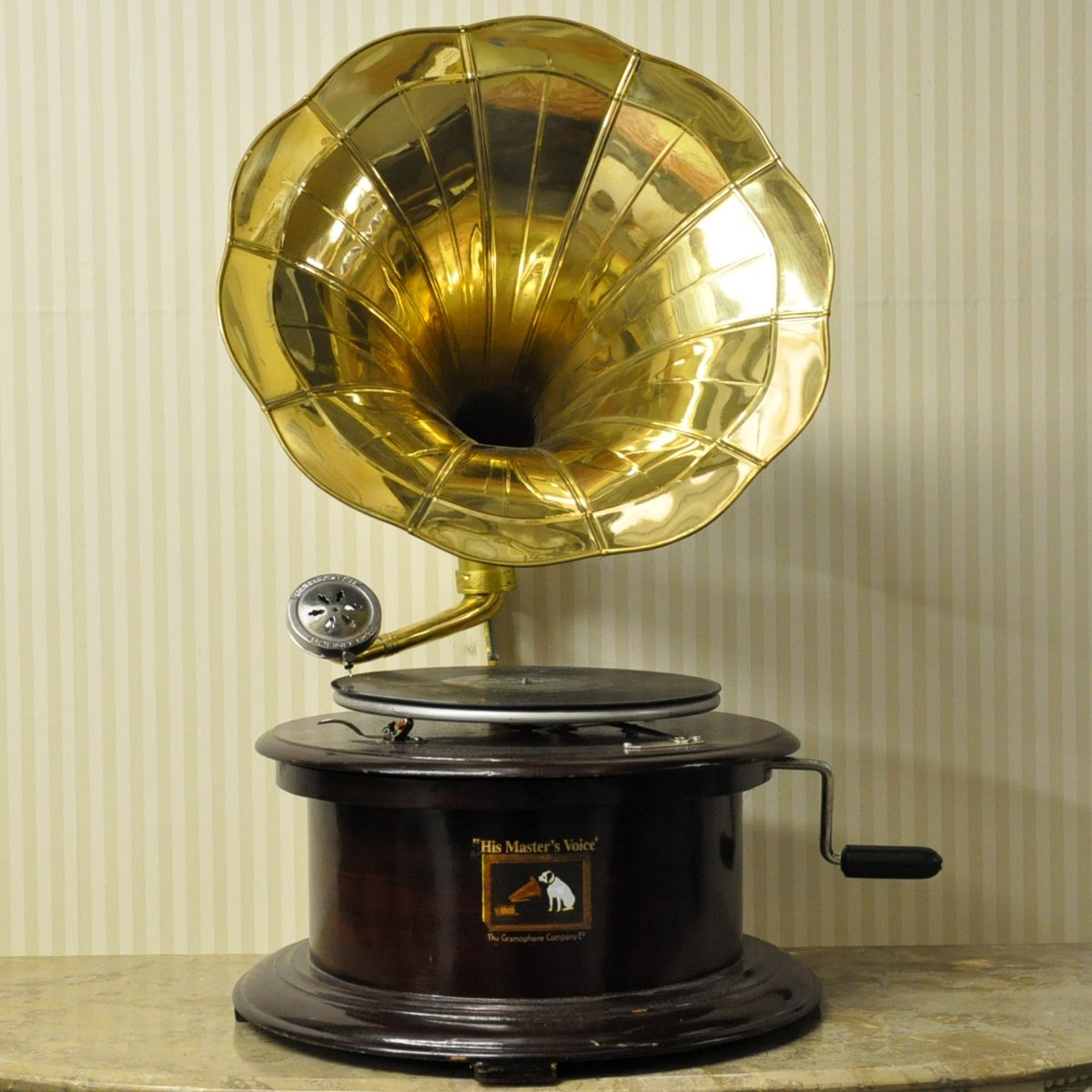 Reproduction Round Gramophone With Brass Horn